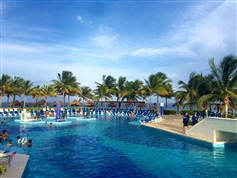 Blue Bay Grand Esmeralda